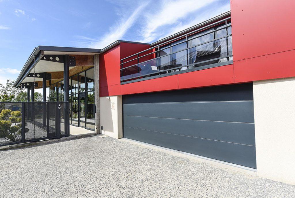 fabrication et installation de portes de garage lectrique en aluminium arras. Black Bedroom Furniture Sets. Home Design Ideas